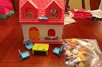 Little People doll house and 11 people Ashburn, 20148
