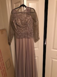 Long bronze dress size 8 we can remove sleeves if wants  Halifax, B3K 2B4