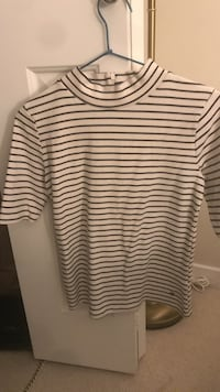 White and black stripe scoop-neck shirt Greater Vancouver, V6S