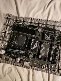 Msi 970a gaming carbon pro mother board
