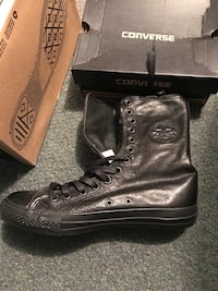 Converse all star boots brand new in box size 9