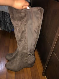 Wide Calf Suede Boots-BRAND NEW Newmarket, L3Y 1Y7