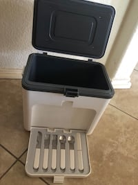 Brand new cooler with folks sets Plano, 75025