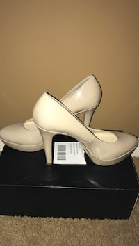 Nine West Size 9m Golden Valley, 55426