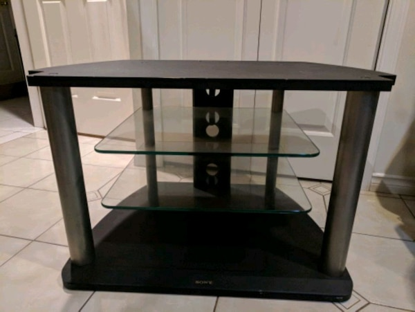 Beautiful modern tv/stereo stand $50