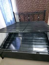 Queen size bed with matress with hydraulic storage 13681 km