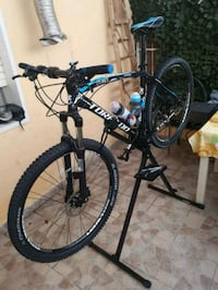mountain bike hardtail nera e blu Ribera, 92016