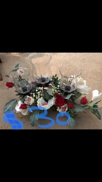 New Floral candle holders centerpiece me if you interested pick up in Gaithersburg md 20877 Gaithersburg, 20877