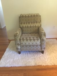 Contemporary recliner $149 or best offer Collegeville, PA 19426, USA