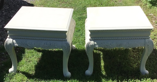 Elegant matching end tables/bedside tables  7f99cd44-97c5-4210-9768-b8f0534a5ee9