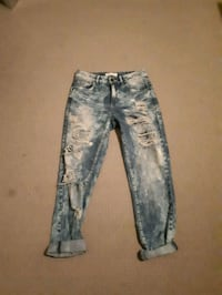 distressed blue-washed jeans Kelowna, V1X 4P3