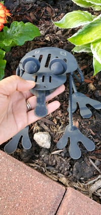 ONE Metal Frog ???? Decorations Garden see 3 pictures