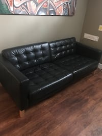 Black leather couch in excellent condition  Calgary, T2W 3C1