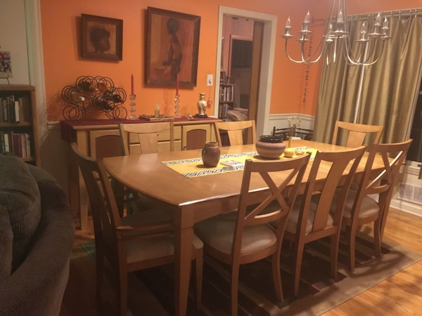 Brukt Dining Room Table With 6 Chairs 80 In Length Includes 18