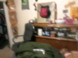 Room for rent monthly weekly or daily can come fur