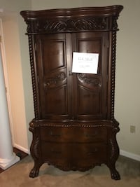 Brown wooden cabinet with drawers  Upper Marlboro, 20774