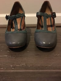 Fossil Colorblock style Leather T-Strap shoes (grey/green/brown) Lithonia, 30038