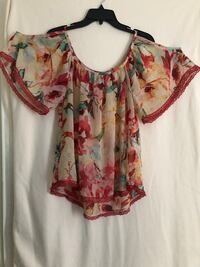 women's pink and white floral blouse Poolesville, 20837