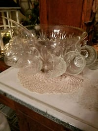 Vintage  punch bowl set Hagerstown, 21740