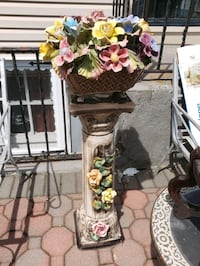 Ceramic pedestal and flower Uniondale, 11553