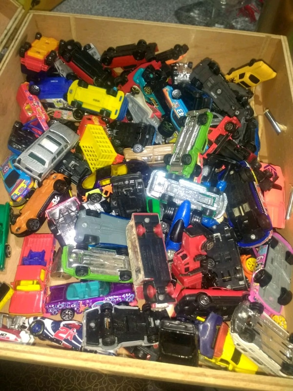 assorted color plastic toy cars