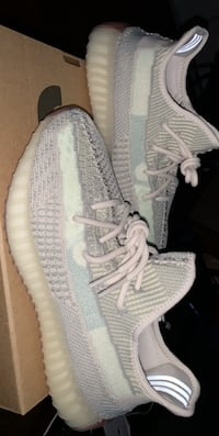 Deadstock pair of size 8 yezzys 350 Boost price is negotiable Millbury, 01527