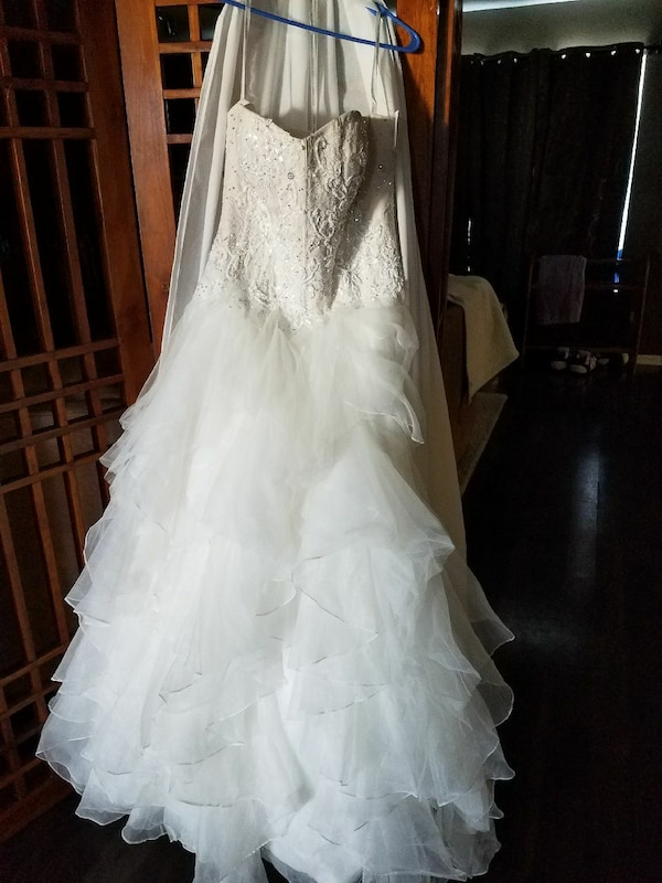 2686ff3f8a8 Used white tube-top wedding gown for sale in Avon - letgo