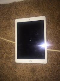 Silver IPad Mini 4  Suitland, 20746