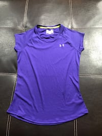 Under Armour S/M, like new. $5 each one  Ashburn, 20148