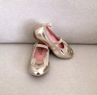 Carters gold bunny flats size 5 Mississauga, L5M 0H2