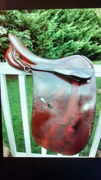 "Courbette dressage saddle, 17"" Germantown, 20874"
