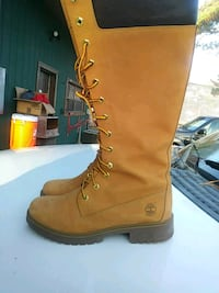 Womens Timberland size 9 boots retail price $175 asking $120 Norfolk, 23518