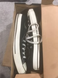 Size 13 converse Springfield, 22150