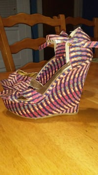 pair of women's pink-and-purple wedge ankle strap shoes Weslaco, 78596