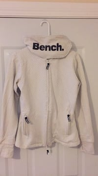 Never worn bench sweater Kelowna, V1V 1N2
