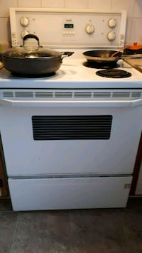white and black electric coil range oven Laval, H7M 5G8