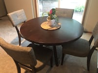 Round dining table set w/ 4 chairs Omaha, 68135