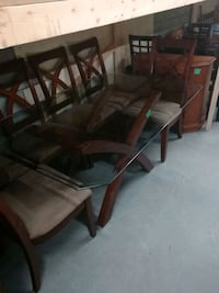 Belle table 6 chaises  Longueuil
