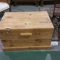 Slated wooden toy chest. K9