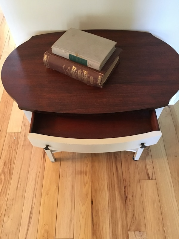 Vintage Mersman Small Side Table 3e14219a-216e-48f8-81ee-ddcbe7532cd4