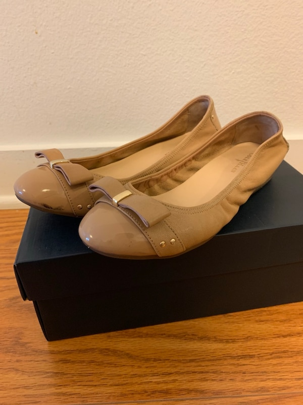 Cole Haan Bow Flats in Beige | Size 5.5 | Like New!!