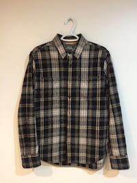 Roots Flannel Button Up (men's medium) Whitby, L1N