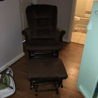 black and gray rolling armchair Portsmouth, 23707