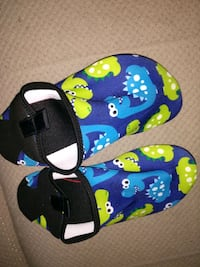 NEW sz 12 water shoes boys Dino monsters Manchester, 03103