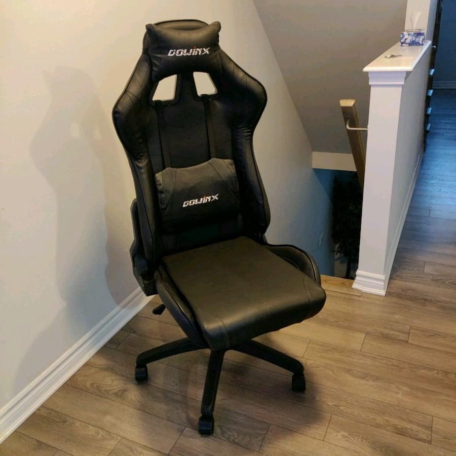Gaming Chair Hardly used