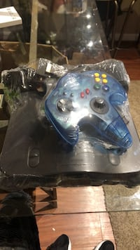 Nintendo 64 with Cords  abd Controller