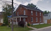For lease high traffic area (bridge & second) with 3'x8' sign  Ideal for service business , barber shop , spa , contractor, buy n sell . Antique shop   3 sections of rooms  Kitchenette  Bathroom  Storage  Plenty of parking  $999 + utilities  Available for Niagara Falls, L2G 5S2