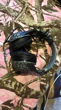Skullcandy head phones. Used once Frederick, 21702