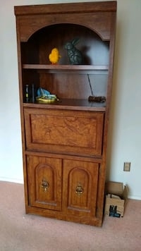Bookshelf. Heavy and well built from the 80s. Nashville, 37212