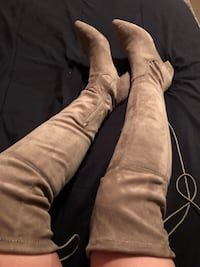 Cute suede boots Houston, 77036